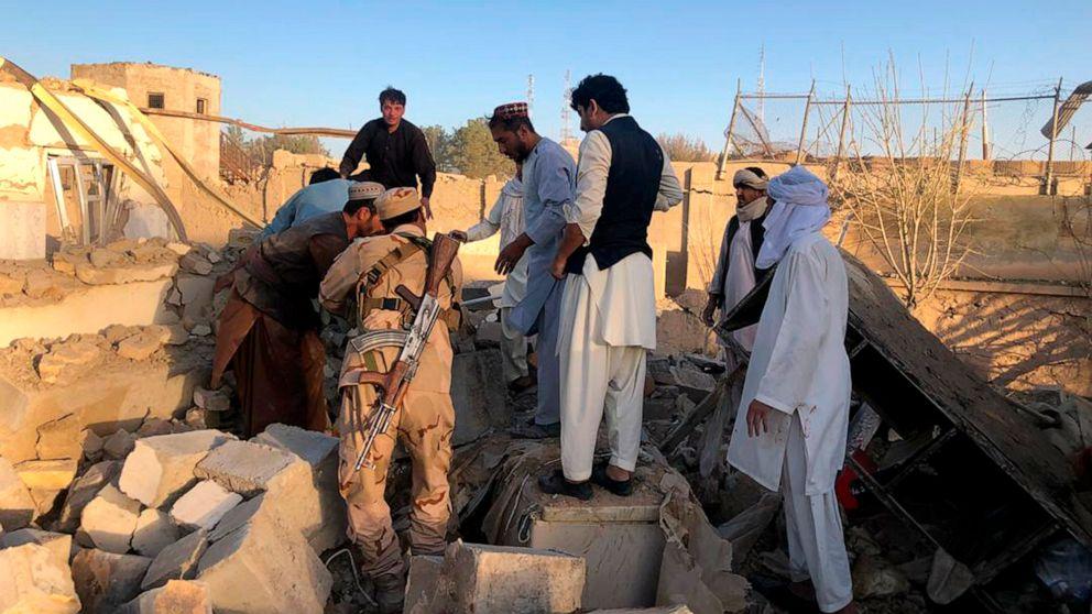 Selbstmord Bombe im Süden Afghanistans, tötet mindestens 20