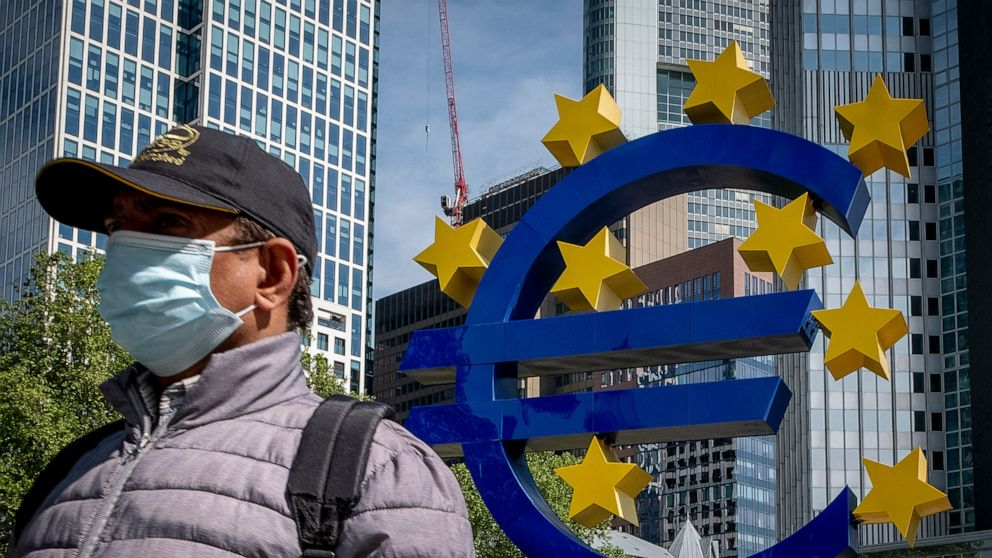 Croatia, Bulgaria take big step toward joining the euro