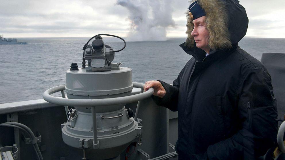 Putin nimmt Schwarzen Meer Bohrer durch die russische Marine