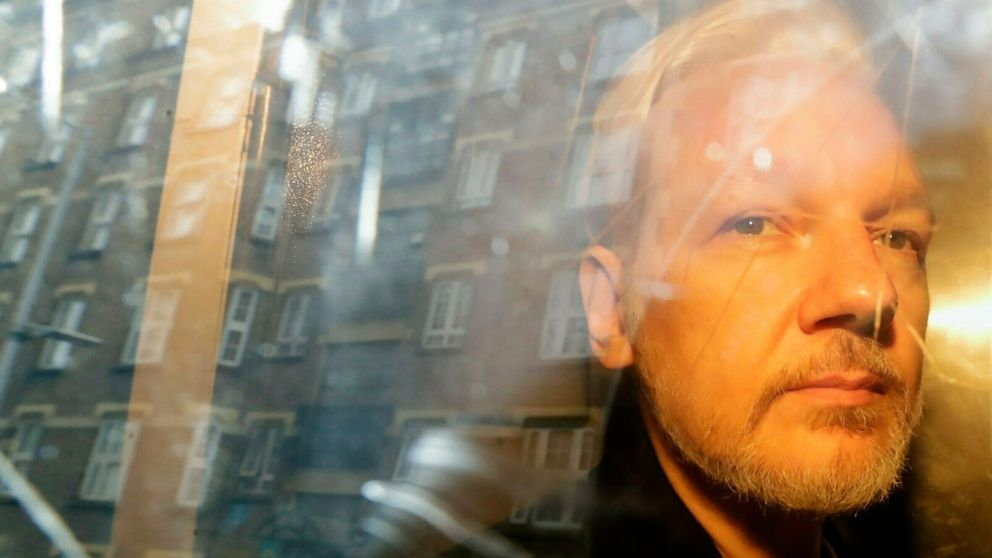 Sweden asks for detention of WikiLeaks' Assange thumbnail