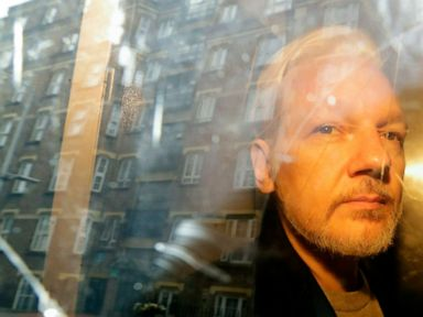 Sweden asks for detention of WikiLeaks Assange