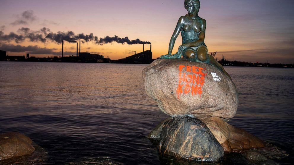 Graffiti gemalt auf Kopenhagen-die Kleine Meerjungfrau-statue