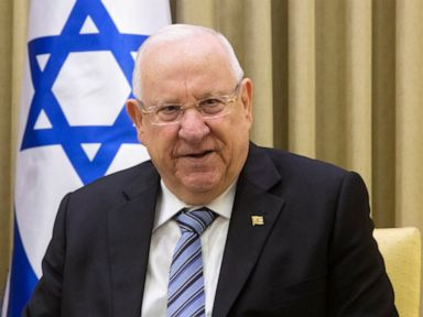 Israeli president begins talks to form new government