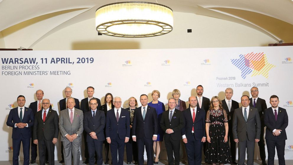 Balkan states urged to resolve differences to join EU