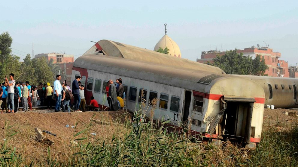 Egypt fires top railway official after deadly train crashes