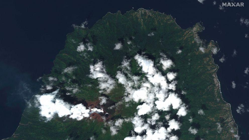 Explosive eruption rocks volcano on Caribbean's St. Vincent - ABC News