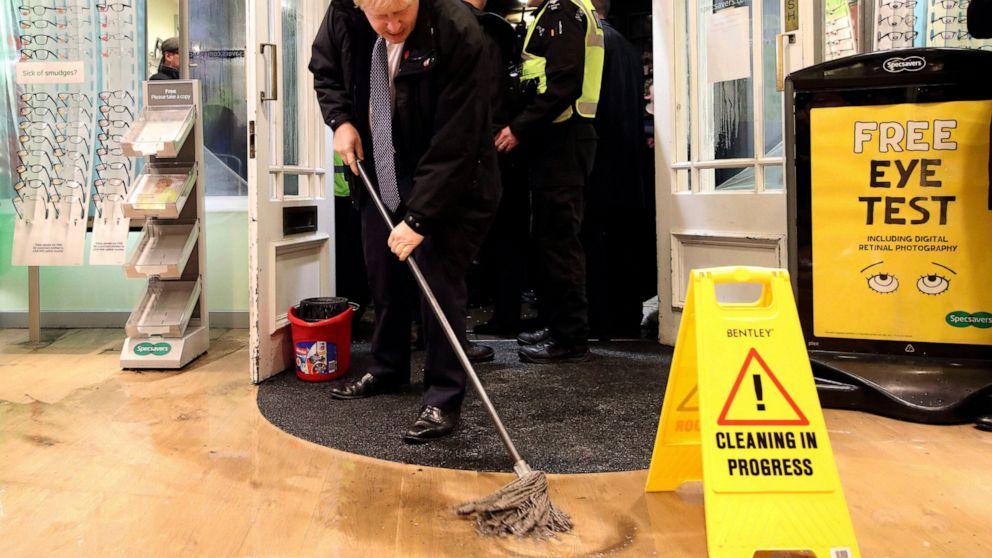 洪水となる英国の選挙の課題としての者のスパえの資金調達