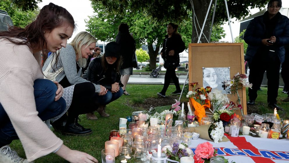 Jury chosen for New Zealand trial in British tourist's death thumbnail
