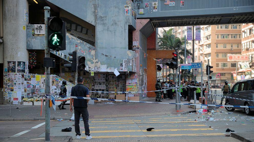 Hong Kong Polizei trieb Demonstranten als Aktivisten blockieren Straßen