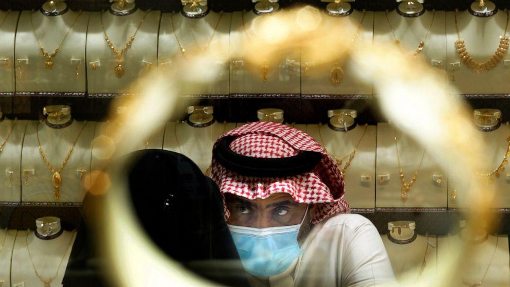 Saudi customers rush to purchase gold earlier than taxes triple thumbnail