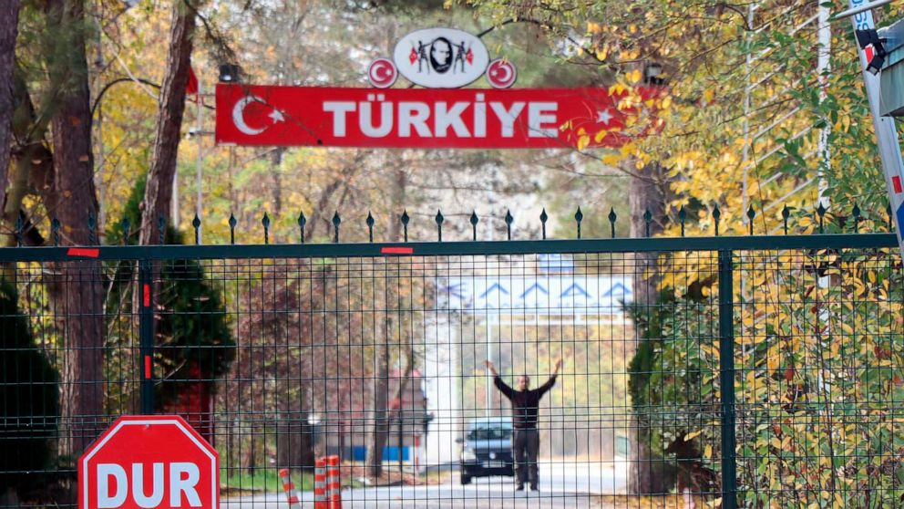 American IS suspect awaits repatriation from Turkey thumbnail