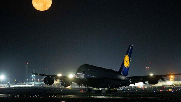 Union calls on Lufthansa cabin crew to strike on Sunday