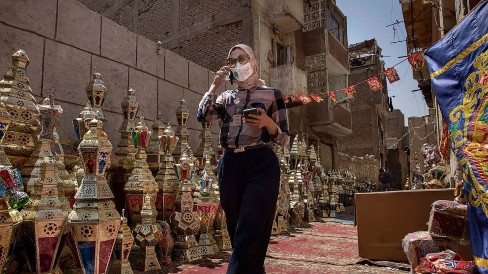 Egypt's doctors criticize government over virus 'negligence'