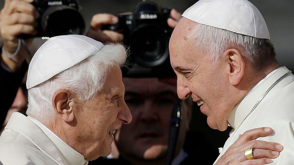 Papst Benedikt XVI. bricht das schweigen, zu bekräftigen, dass Priester den Zölibat