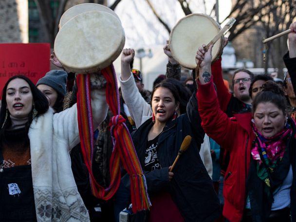 New rail blockades in Canada emerge as talks continue