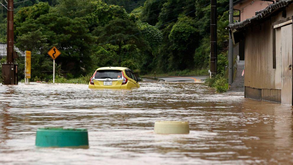 Heavy rain floods southern Japan; over a dozen presumed dead thumbnail