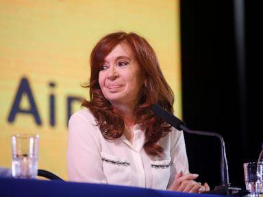Argentinas Fernández announces vice presidential bid
