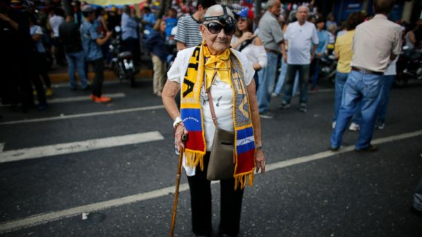 Venezuelan opposition leader takes campaign to northern city