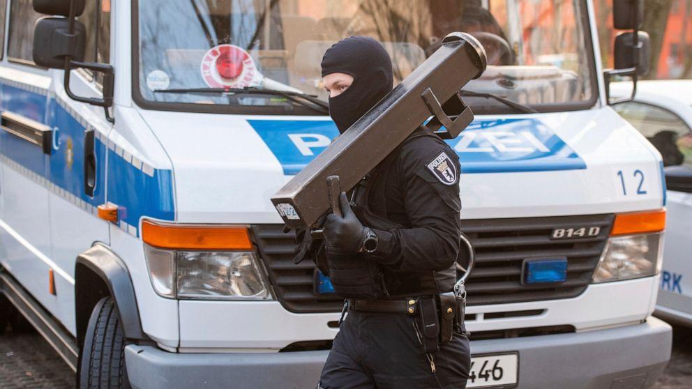 German police raid suspected Islamic extremists in Berlin