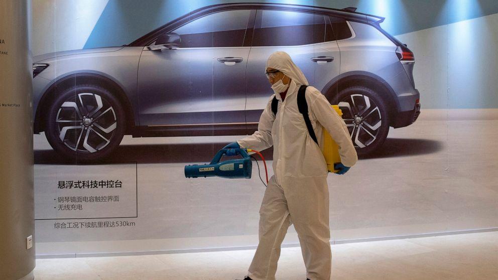 Pembuat mobil di China secara bertahap membuka kembali setelah virus shutdown
