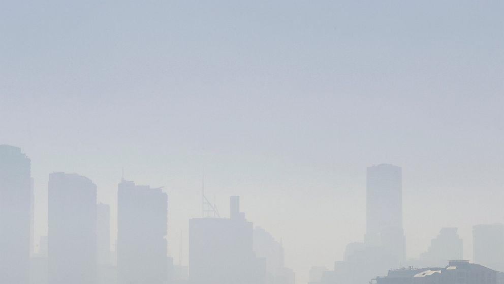 Bebas kafan Sydney skyline sebagai kebakaran hutan membakar terdekat