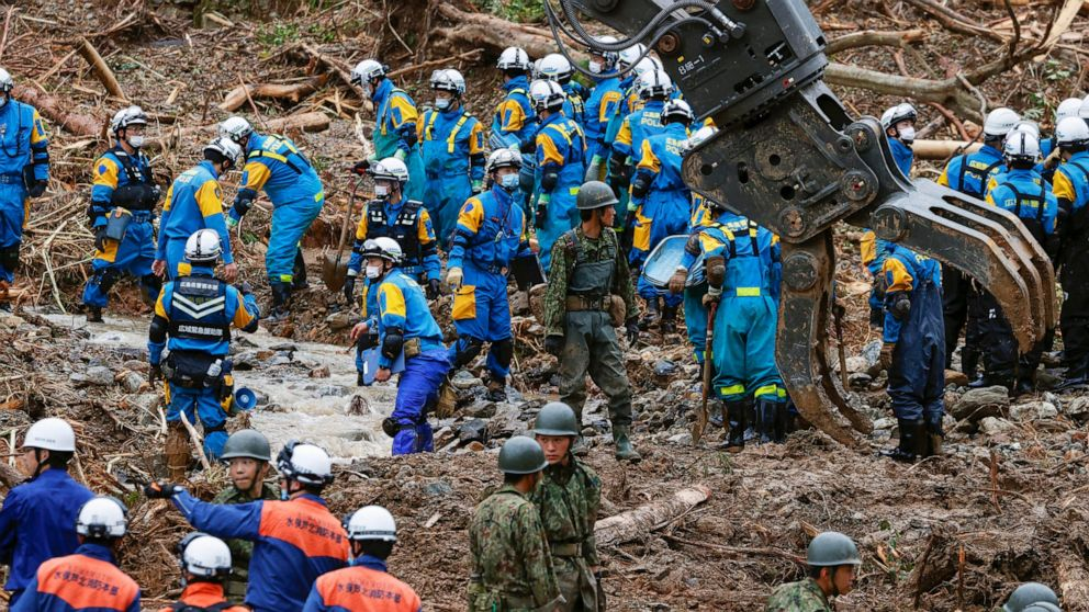 40 lifeless in Japan floods, as extra areas warned of heavy rain thumbnail