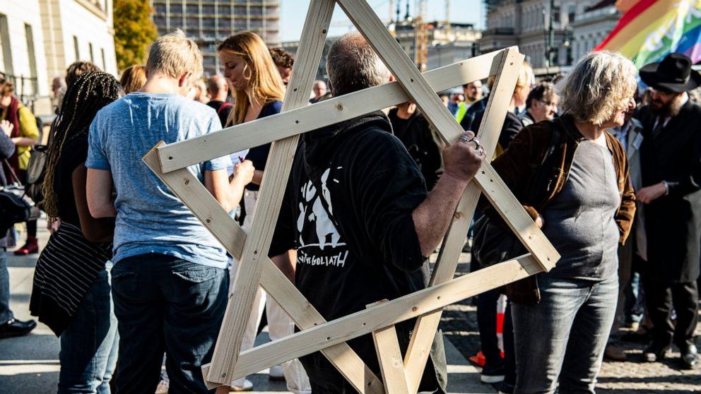 Ribuan di Berlin protes terhadap anti-Semitisme