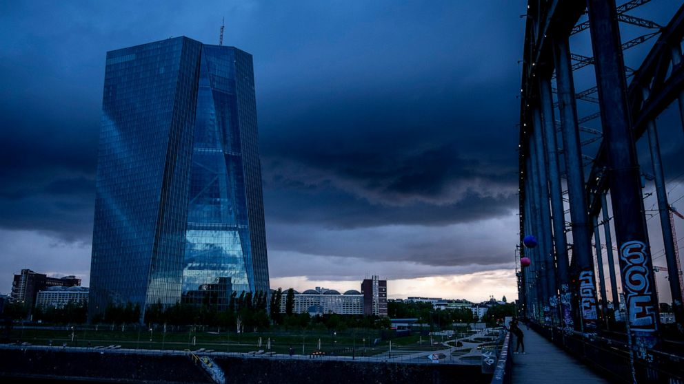 European Central Bank hands out 1.3 trillion euros in loans thumbnail