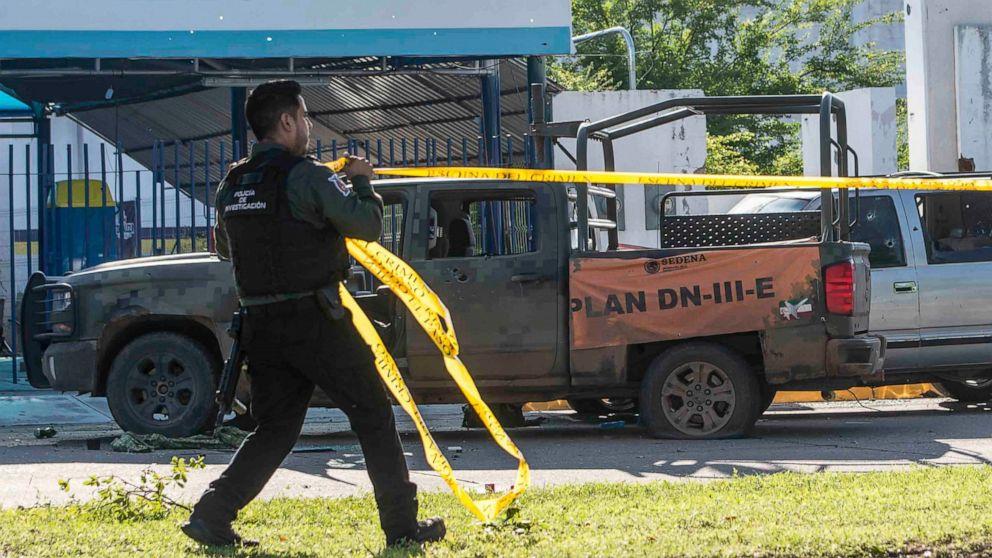 Σε πολλά μέρη του Μεξικού, η κυβέρνηση παραχώρησε την μάχη με τα καρτέλ