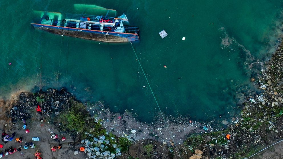 10 People Dead, Five Missing After Boat Capsizes on River in Southwest China