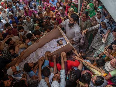 Shootout between Kashmir rebels, Indian police kills 4