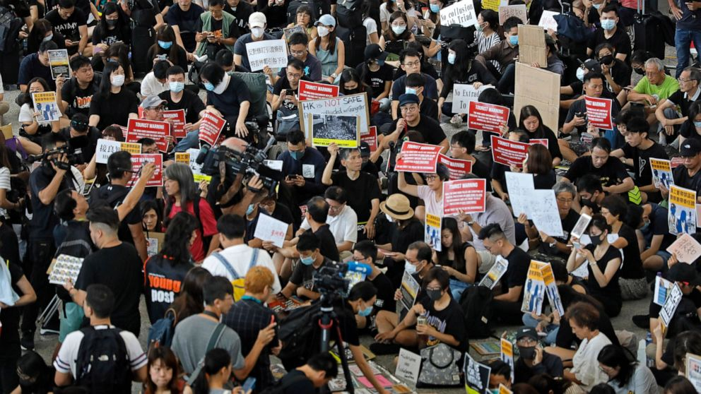 Man arrested for knife assault ahead of Hong Kong protest thumbnail