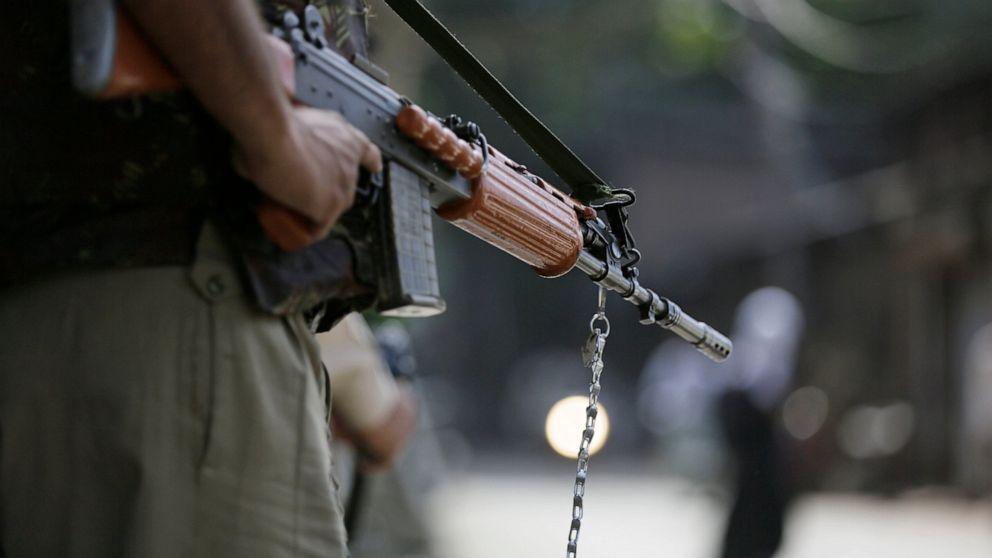 9 επαναστάτες, 3 Ινδοί στρατιώτες σκοτώθηκαν στο Κασμίρ, την καταπολέμηση