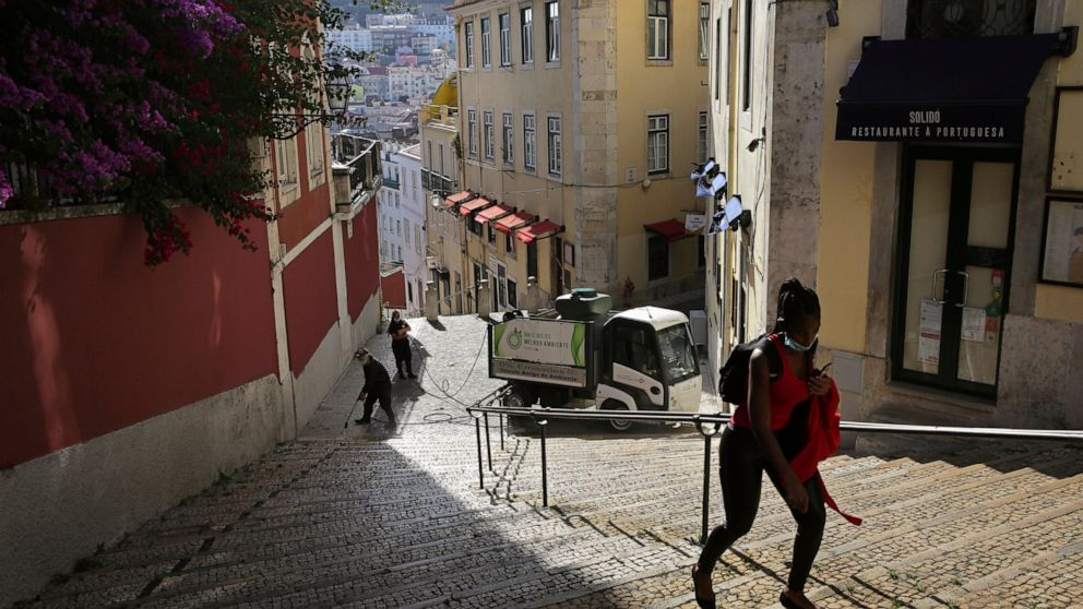 Portugal scrambles to regroup amid 100s of new virus cases thumbnail