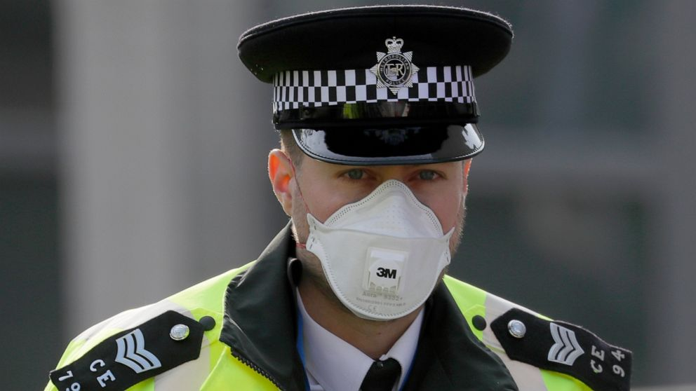 INGGRIS kawat gigi untuk lebih banyak virus kematian; Johnson dilaporkan stabil