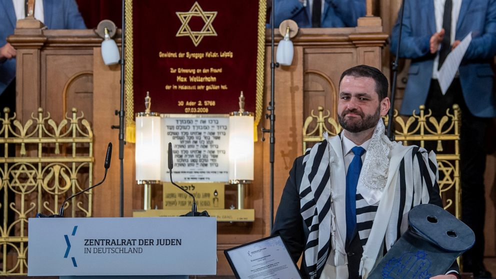 German Military Appoints Its First Rabbi as Religious Counselor to Jewish Soldiers in Over 100 Years