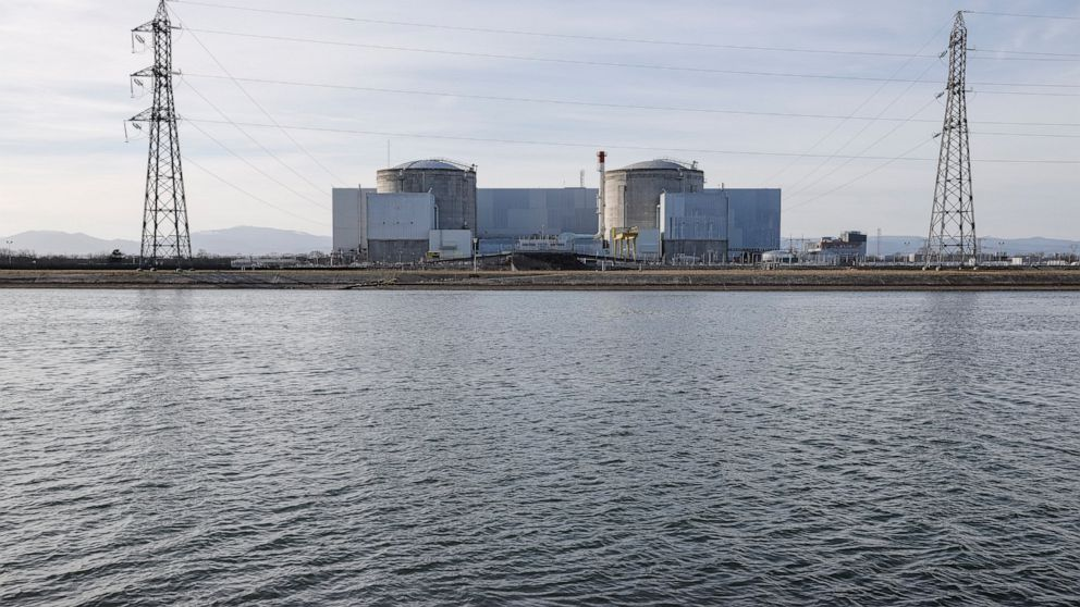 France starts closing its oldest nuclear plant