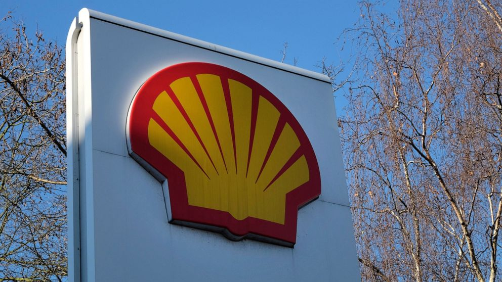 Shell plans to cut up to 9,000 jobs as oil demand slumps thumbnail