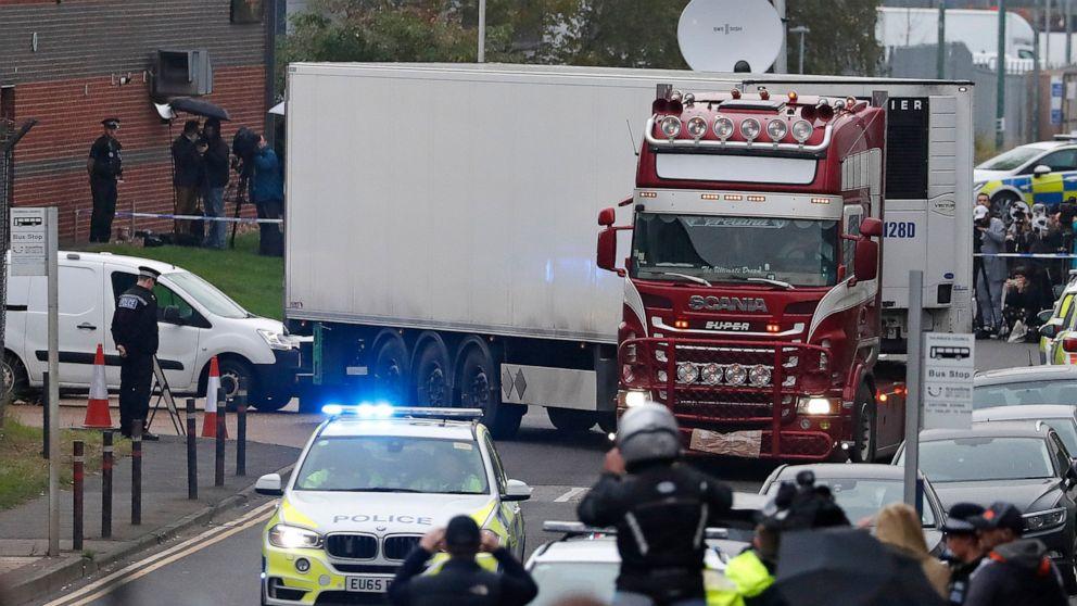Αστυνομική επιδρομή 2 τοποθεσίες στη Βόρεια Ιρλανδία θανάτους μεταναστών