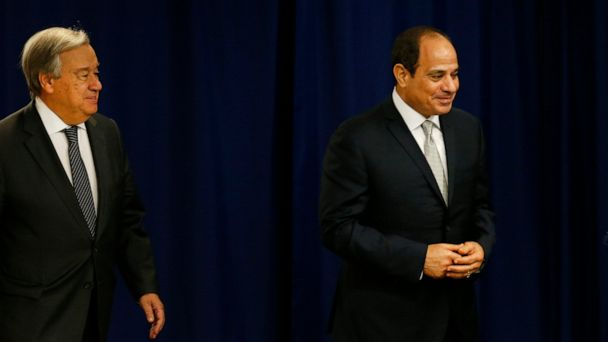 Egypt seals off Cairo's Tahrir Square, thwarting protest