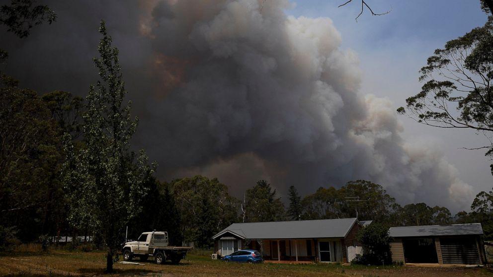 Australian PM entschuldigt sich für den Familienurlaub inmitten der Waldbrände