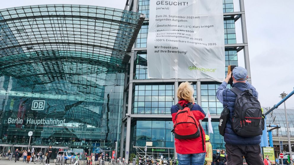 Campaigners press for next German leader to act on climate