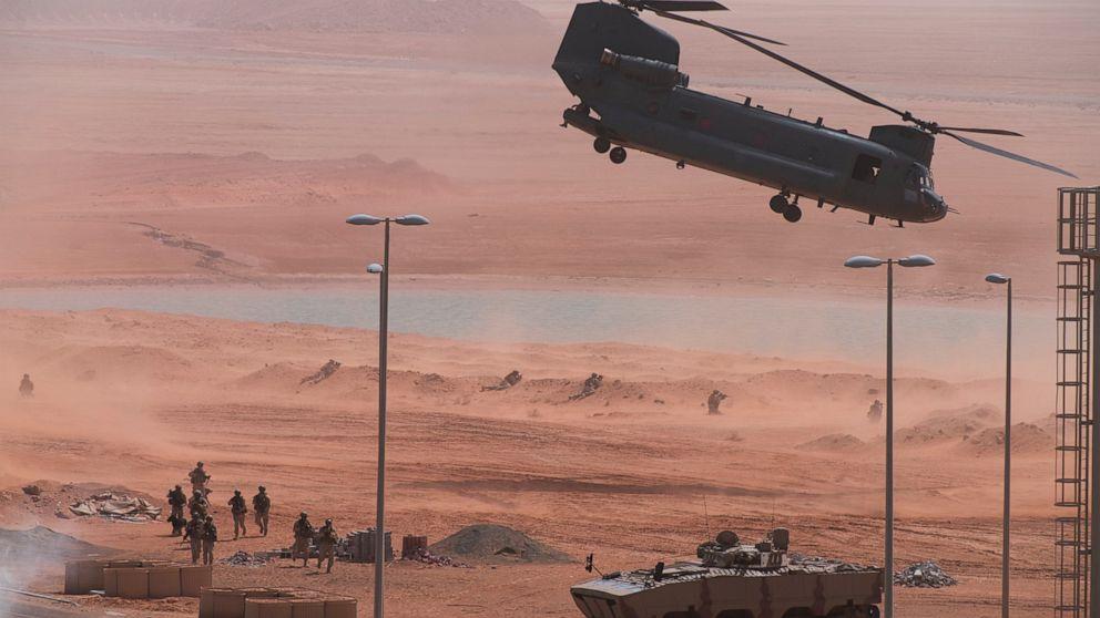 ΜΑΣ, ηνωμένα αραβικά ΕΜΙΡΆΤΑ στρατεύματα κατέχουν σημαντική άσκηση μέσα του ιού, το Ιράν εντάσεις