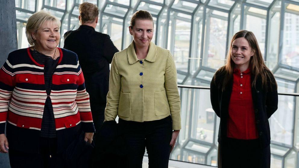 Danish PM standing behind Greenland leader thumbnail