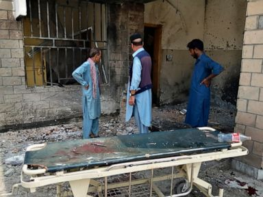 Female suicide bomber strikes hospital in Pakistan, 9 killed