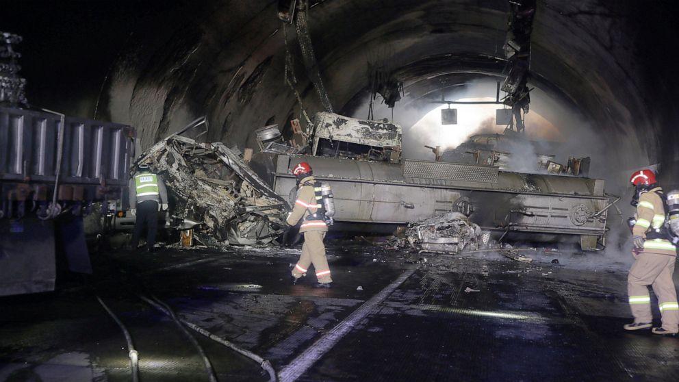 2 getötet, Dutzende Verletzte bei Autobahn-Massenkarambolage in Südkorea