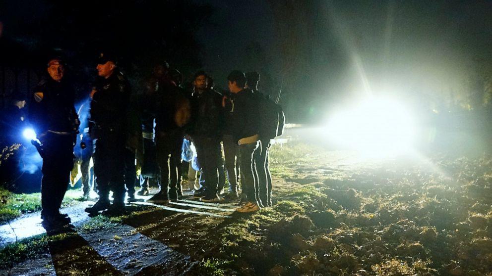 EU migration chief warns Bosnia of looming winter crisis thumbnail
