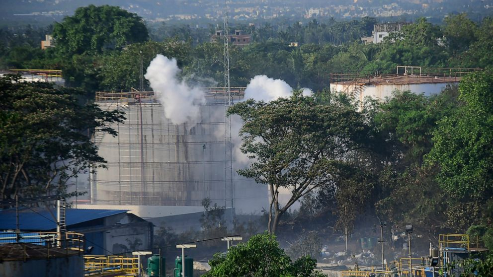 Probe blames safety lapses for deadly India gas leak thumbnail