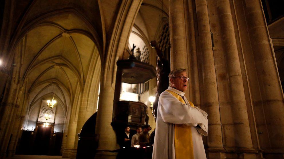 Notre Dame πρύτανης: Εύθραυστη καθεδρικό ναό δεν θα αποθηκευτούν