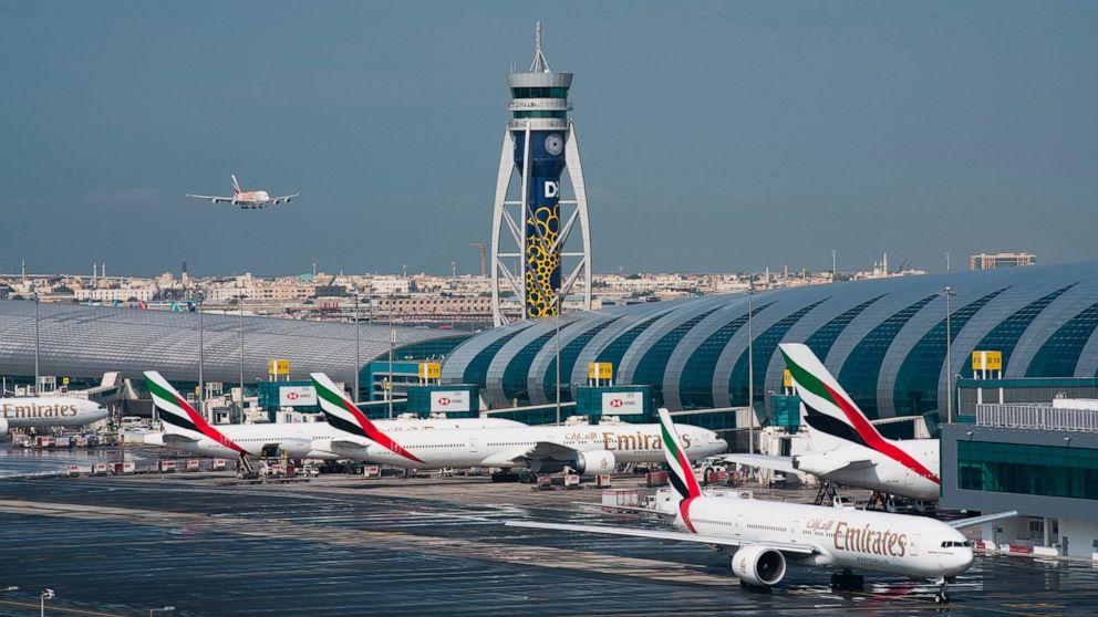 Dubai Emirate Schnitte Passagier-Flüge zu 13 Destinationen